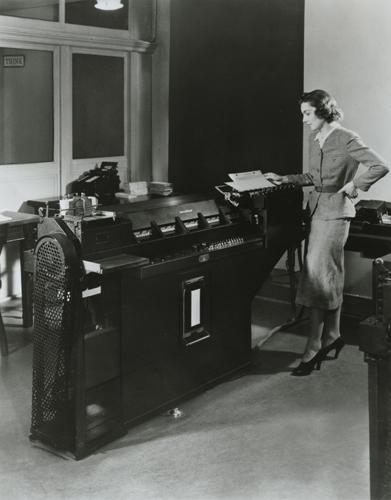 IBM.CardComputing.19xx.102645445.lg_